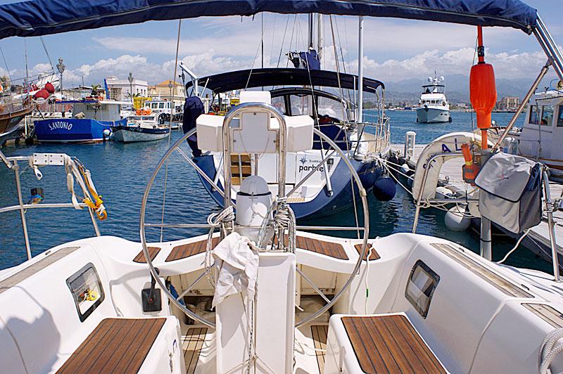 Как арендовать яхту - помогаем взять лодку в чартер / напрокат